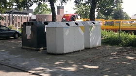 oude afvalcontainers