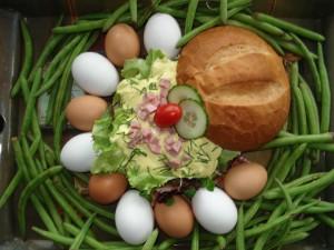 Nederweerter bol met Happy-ei-salade