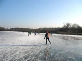 schaatsen, sarsven en de bannen, nederweert