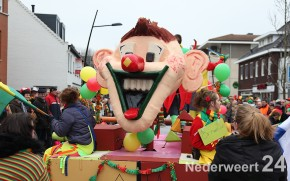 Carnavalsoptocht V.V. de Pinmaekers Nederweert 2013 1183
