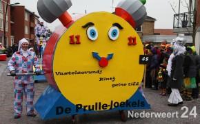 Carnavalsoptocht V.V. de Pinmaekers Nederweert 2013 1223