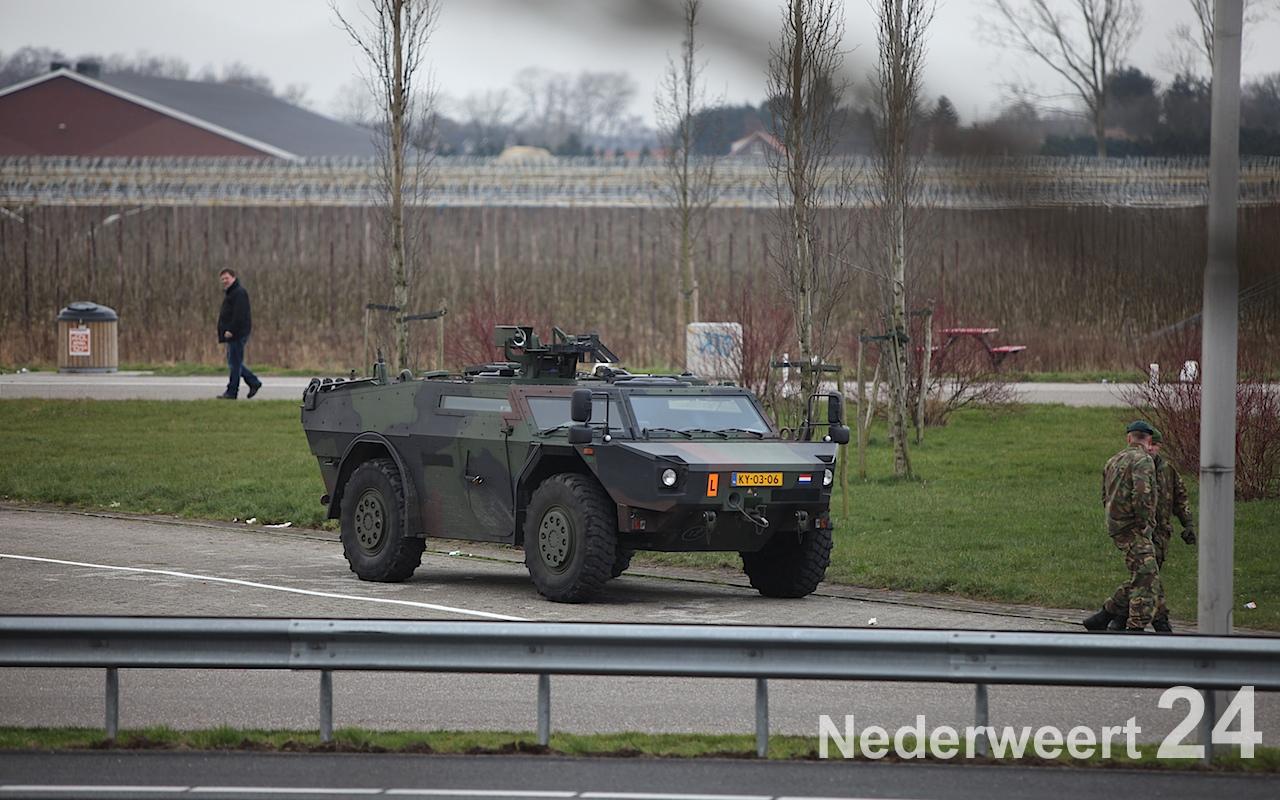Ongeval Fennek legervoertuig met personenauto A2