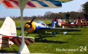 Modelvliegtuigen Nederweert Leveroy tijdens Big Scale Acro Fly-in