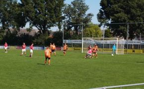 Dames voetbal SV Leveroy