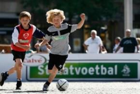 Straatvoetbal Leveroy