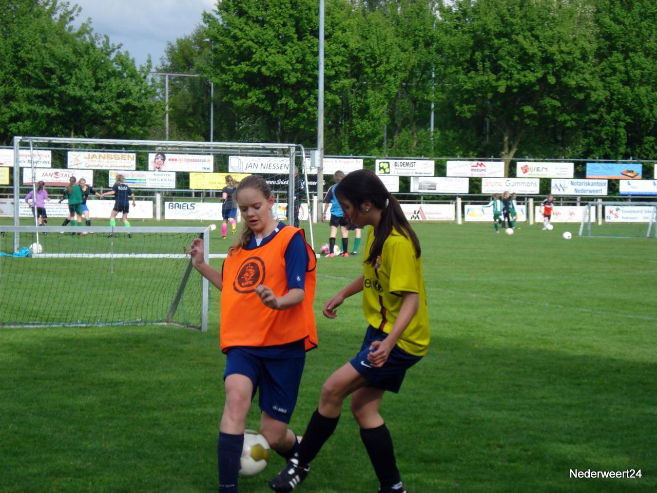 Voetbalclinic bij Eindse Boys