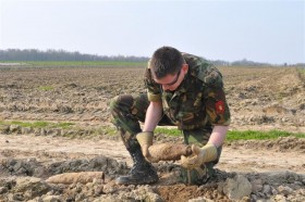 ruimen explosieven Bom gevonden in Ospel