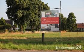 Actiegroep tegen A2 variant voor de N266 Randweg Nederweert plaatst borden