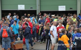 Wandelvierdaagse KVW Nederweert 2013 van start vanaf gemeentegarage.