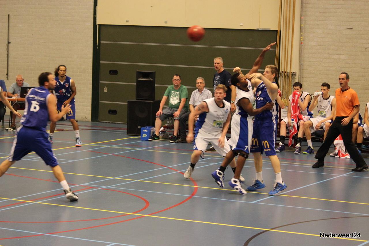 Oefenwedstrijd Maxxcom BSW in Nederweert