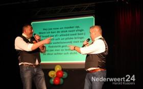2013-11-16 winnaar  Ni-jwieërter Vastelaovundj Schlagerfestival Pinmaekers 2040