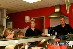 2013-12-31 Oliebollen cafetaria d'ind-j Nederweert Eind 2890