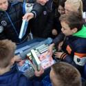 Basisschool De Schrank wint boekenkoffer