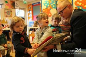 Voorleesdagen met Wethouder Mackus bij kinderopvang 't Zonnetje Nederweert Eind
