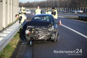 Auto in de vangrail op de A2 bij Nederweert