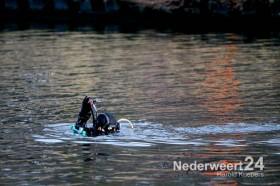 Duikers zoeken in kanaal Wessem-Nederweert naar vermiste Henk Vierwind