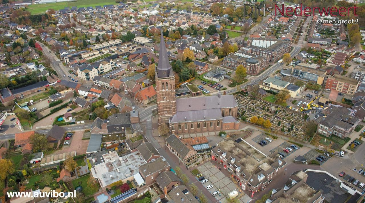 kerk nederweert luchtfoto
