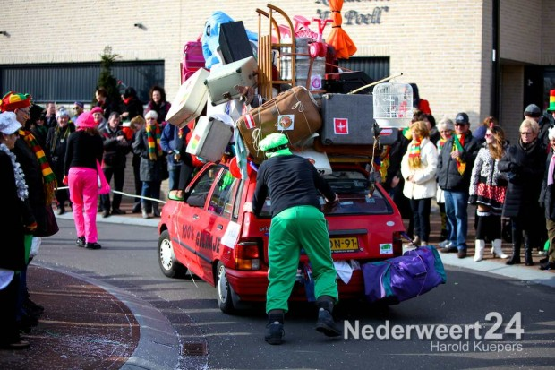 Optocht Nederweert 2014 Pinmaekers
