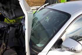 Ongeval auto achter op een vrachtwagen op A2 bij Nederweert