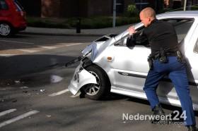 Ongeval Kapelaniestraat Nederweert twee auto's botsen opelkaar