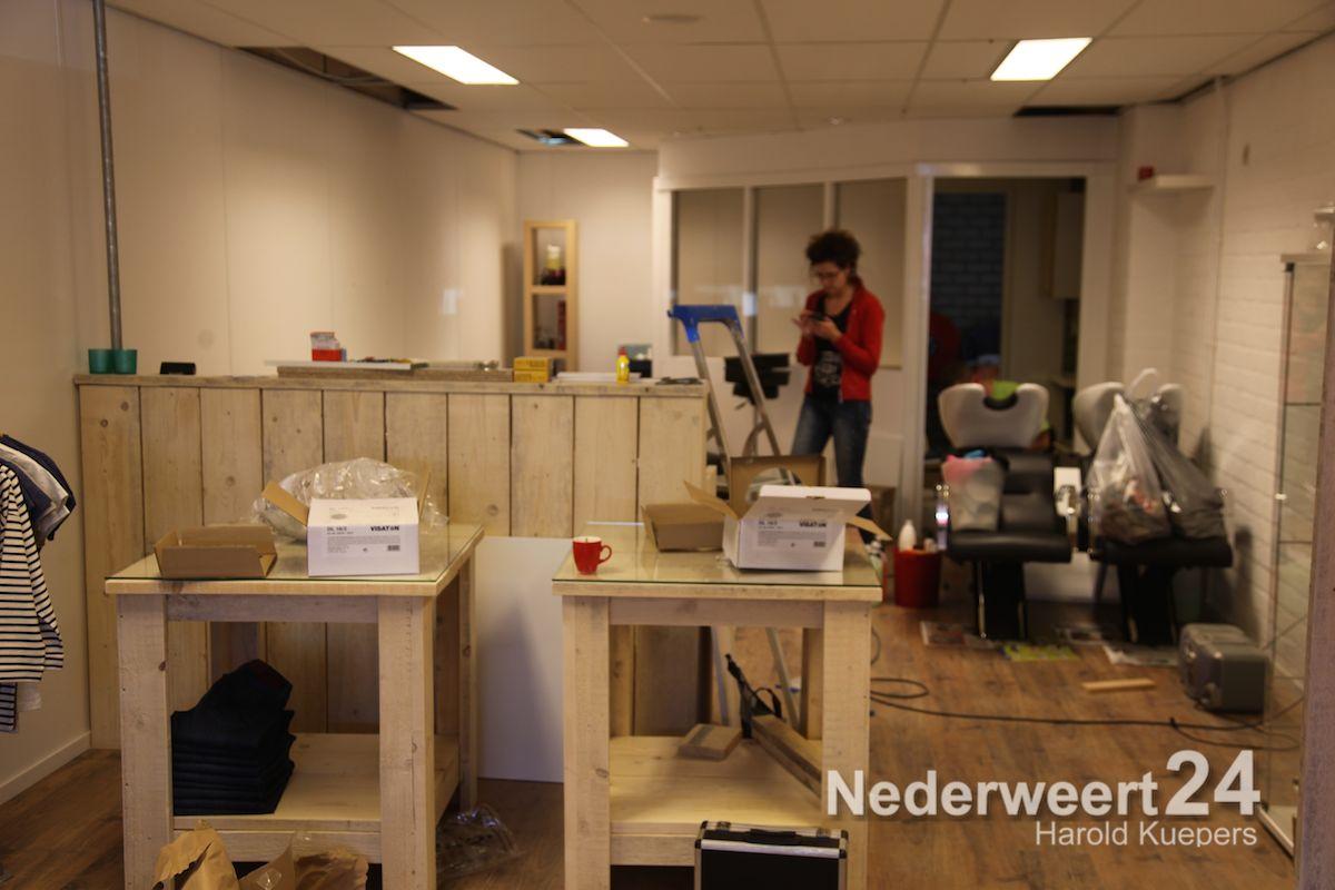 Nieuwe Kapsalon annex Damesmodezaak in Nederweert