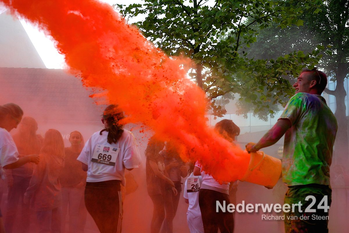 Foto's Color Fun Run Weert 2014 (Deel I)
