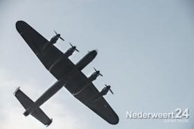 Flypast Lancaster bommenwerper  Hunsel 049