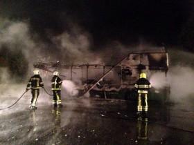 Bus brand volledig uit Heibloem