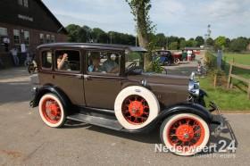 toertocht Oldtimer en Classic Car Club Heel