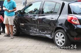 Ongeval St Jozefslaan Weert met twee personen auto's