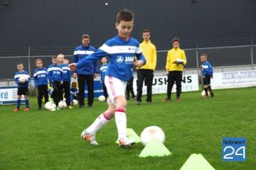 Voetbal clinic NEderweert