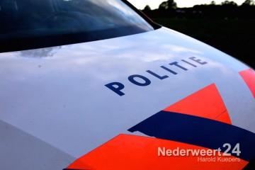 Auto over de kop op de Mildert in Nederweert eenzijdig