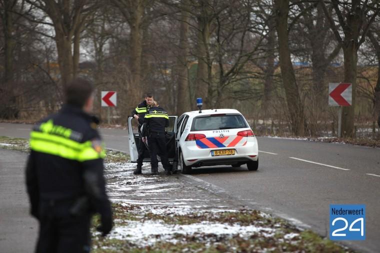 Klopjacht Pannenweg Nederweert na aanrijding Lindestraat randweg