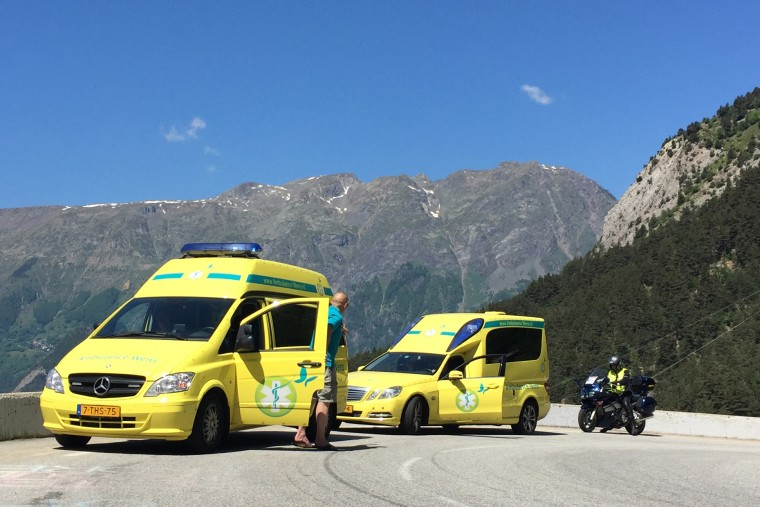 9- ambulancewens