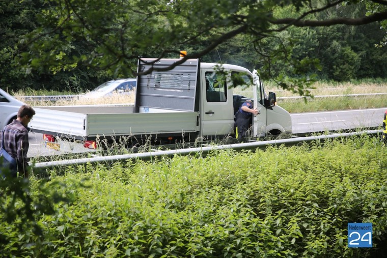 Vrachtwagentje met motorpech 4404