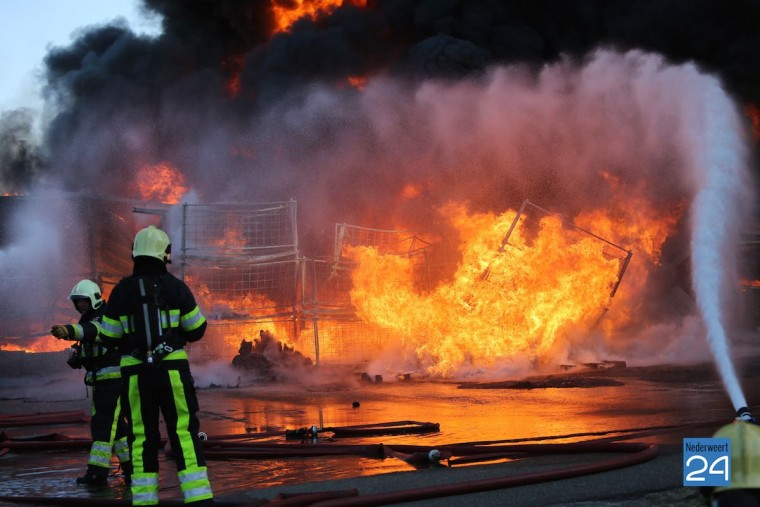 Zeer grote brand Roggel Frambozenkwekerij 4224