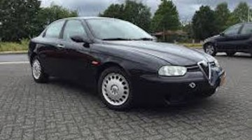 Verdachte Alfa Romeo gesignaleerd