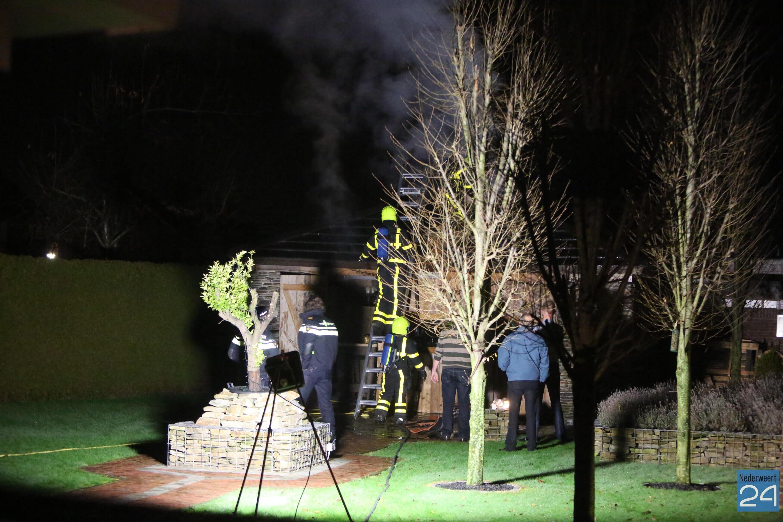Tuinhuis vat vlam in Ospel (Fotou0026#39;s) - Nederweert24