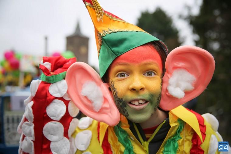 Carnavalsoptocht Leveroy 2016-44
