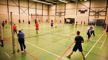 Maak kennis met badmintonnen bij BC Veredot in Nederweert!