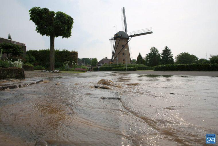 Waterleiding gesprongen in Ospel - Nederweert24
