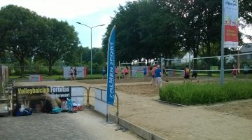 Tropicana en El Brigato winnen tweede dag Open Beach Volleybal Toernooi