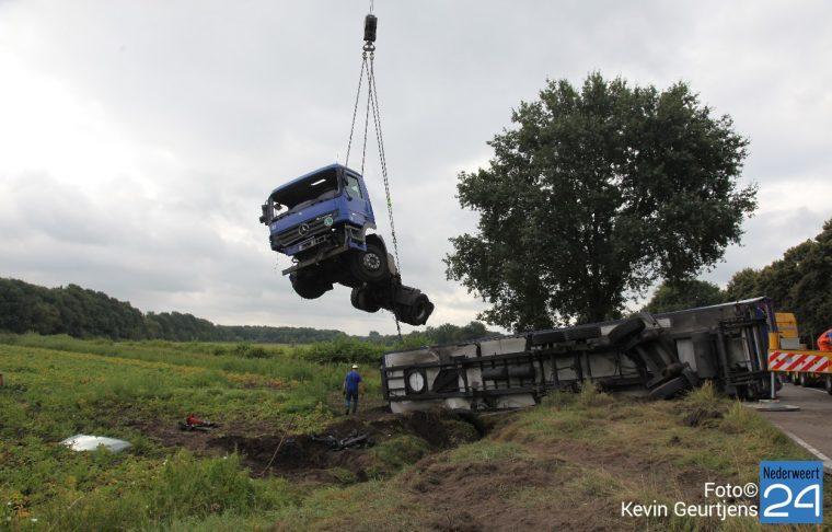 Ongeval vrachtwagen Houtsberg
