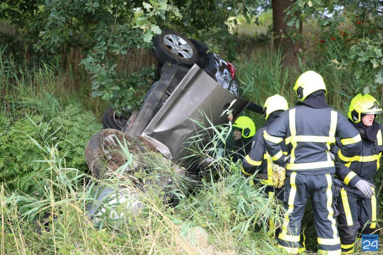 Ongeval A2 auto over de kop-6