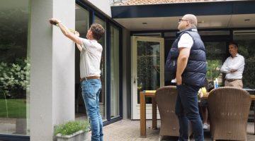 Huibert bevestigt brons-object Architectuurprijs Weert / Nederweert