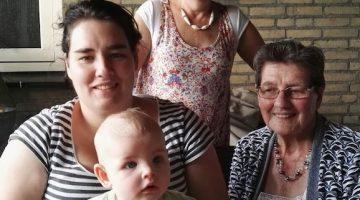 Vier generaties op de foto