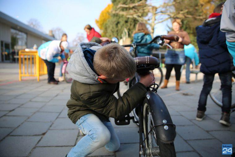 fietscontrole-basisschool-budschop-veilig-verkeer-nederweert-16