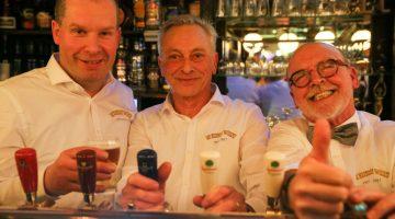 Thijs, Johan en Paul samen achter de tap van DKW (Foto's)