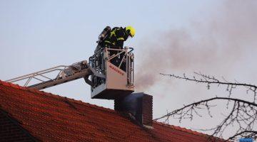 Schoorsteenbrand in woonboerderij Nederweert-Eind