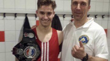 Aito Köster voor 6de keer bokskampioen van Nederland